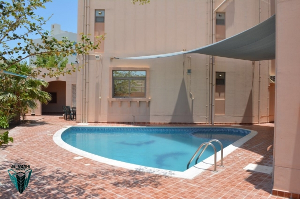 4 Bedrooms Modern Compound Villa for Rent in Busaiteen