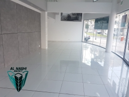 Commercial Showroom in Muharaq